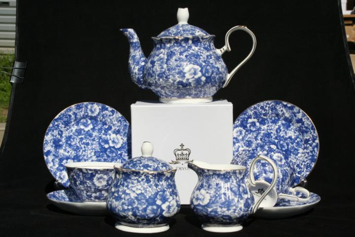 Blue Meadow full Teaset