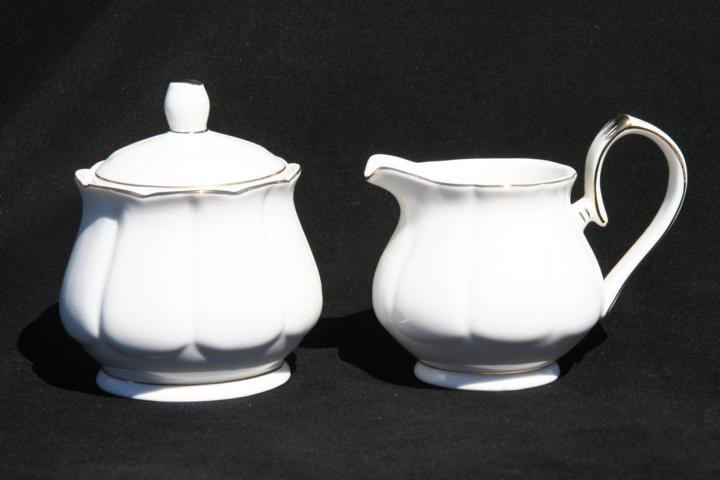 White Dove Sugar & Creamer Set