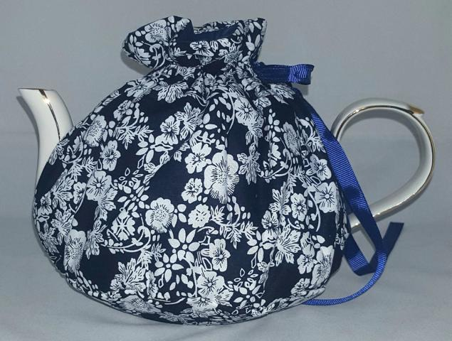 Midnight Bloom Tea Cosy