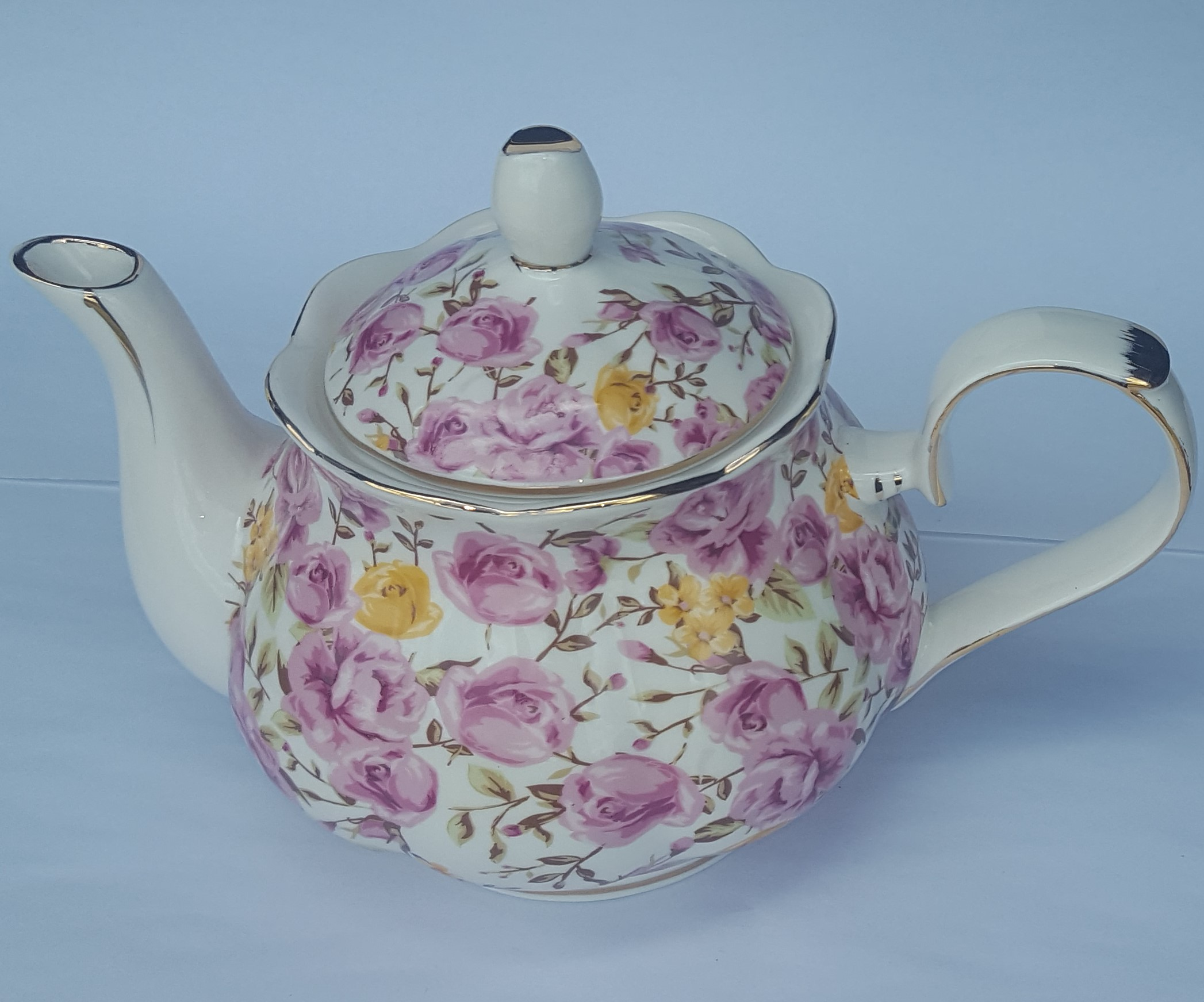 Candy Rose Bloom 4 cup teapot