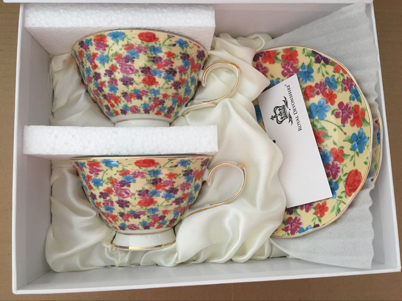 Cream Flower Garden 2 cup & saucer set