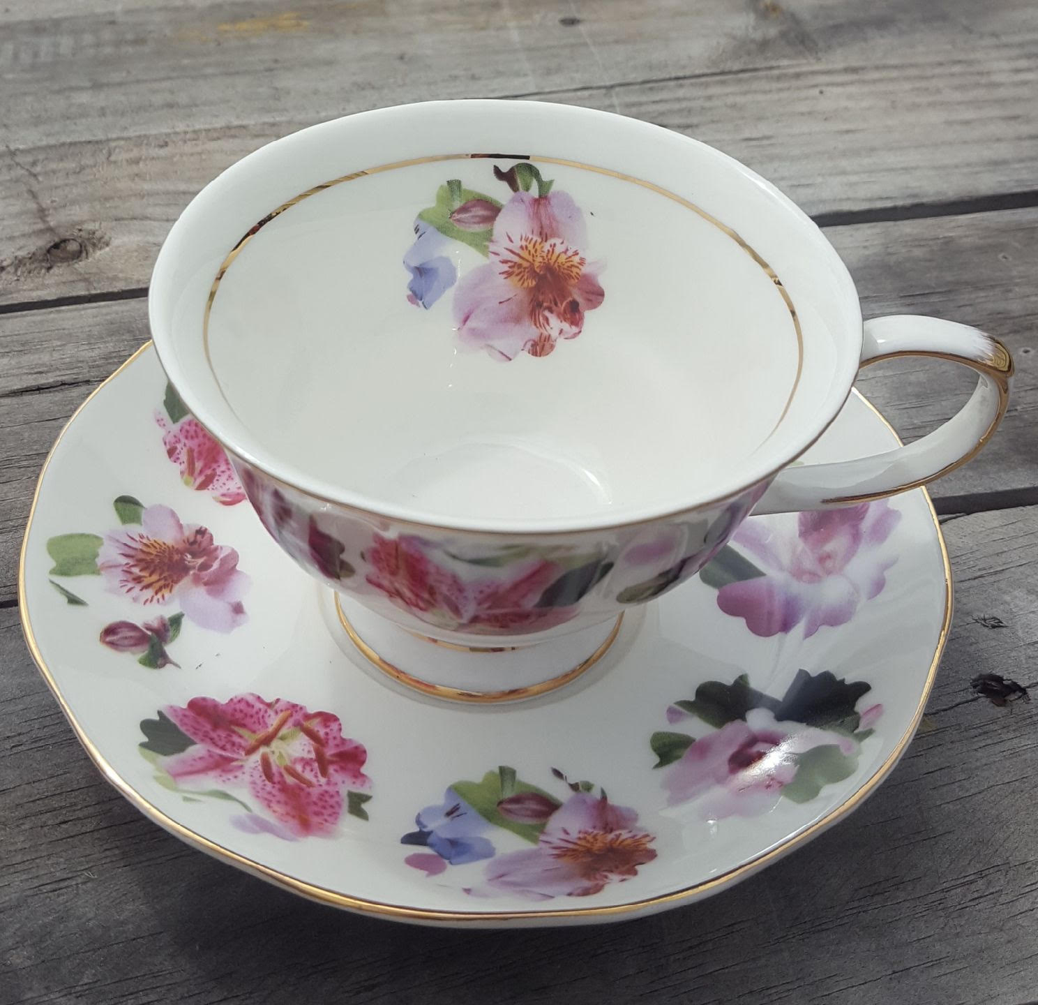 Lily Rainbow flower 2 Cup and Saucer set