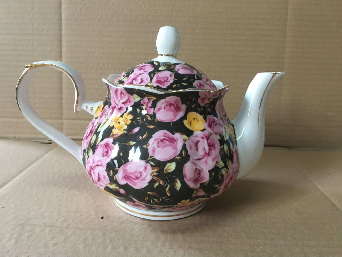 Midnight Rose Garden 4 cup teapot
