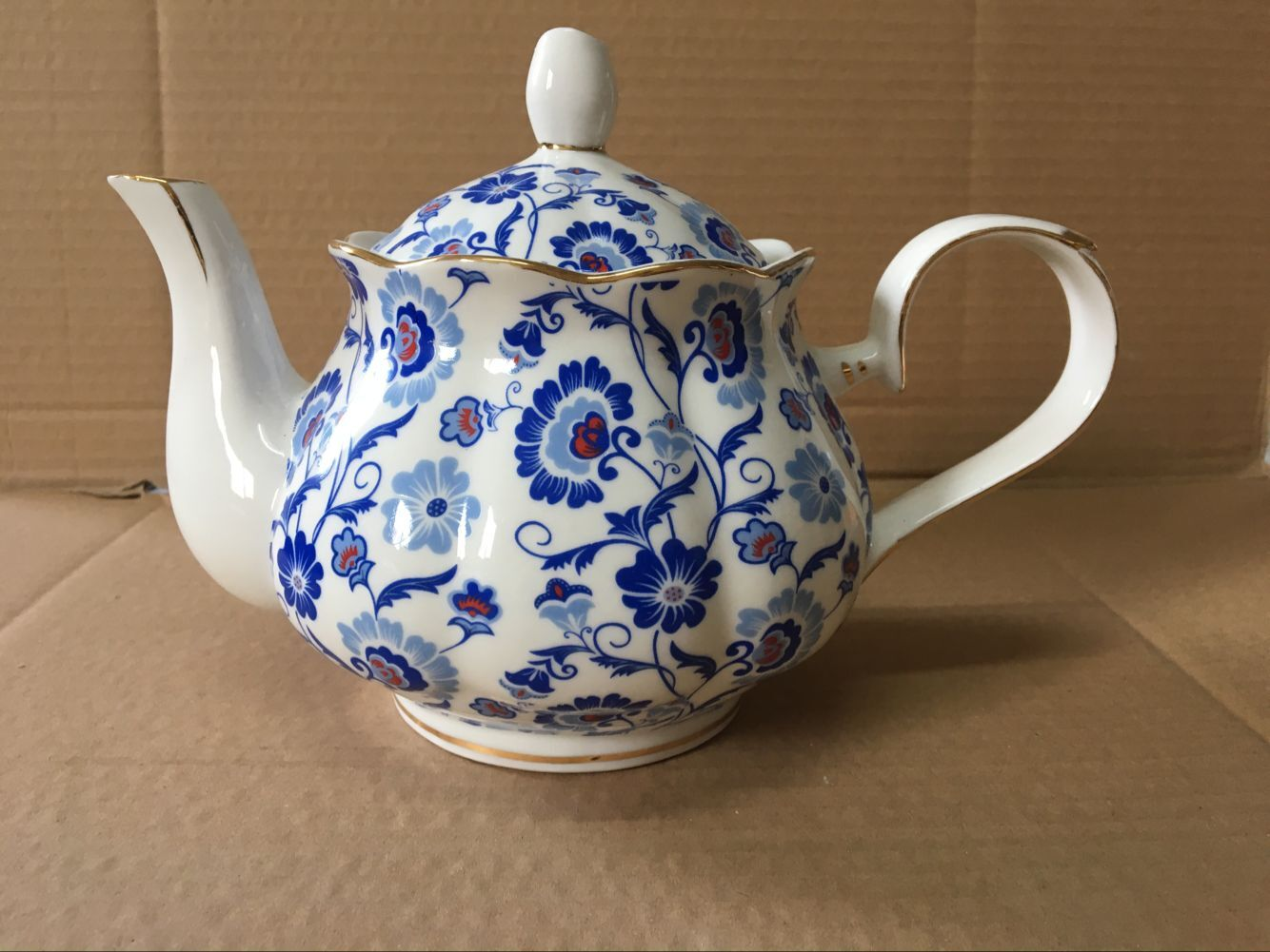 Sunshine Blue Sprays 4 cup teapot